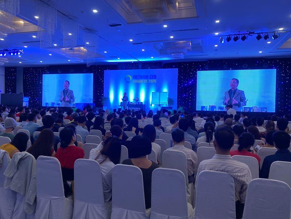 DG Tần Nguyễn cùng 1000CEO tại Hội Nghị